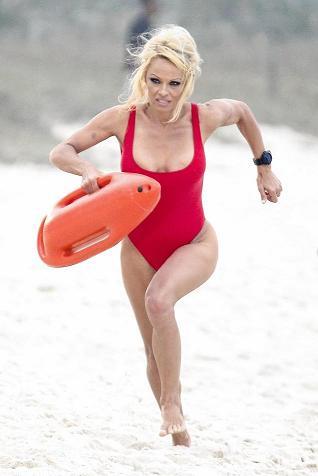 Pamela Anderson Salvavidas