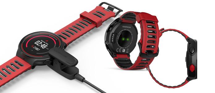 reloj-gps COROS PACE detalles carga y pulsómetro óptico