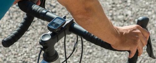 tamaño real garmin edge 130 ciclocomputador gps montado en potencia bicicleta